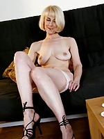 Daphne rosen in bondage
